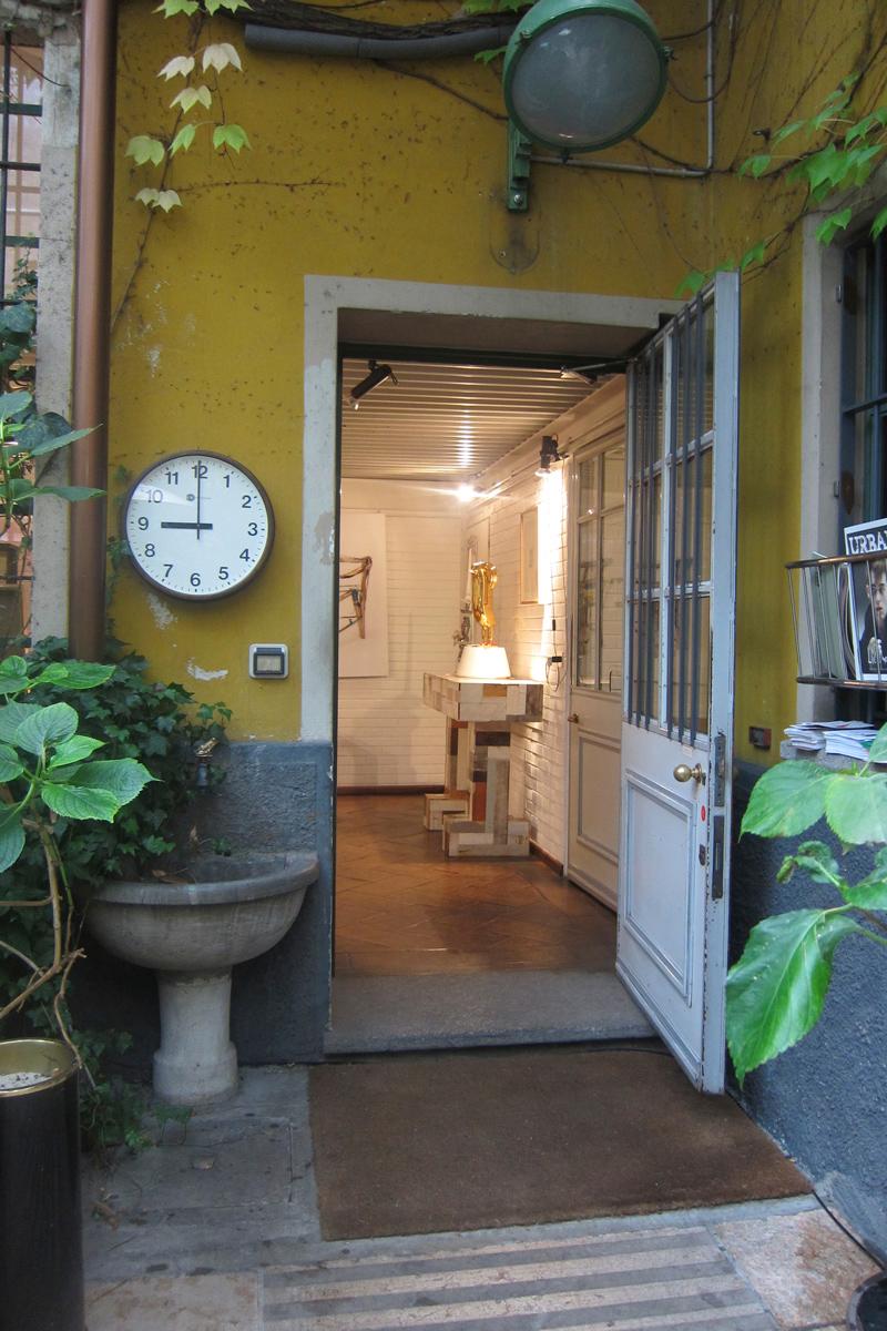 17-gallery-rossana-orlandi-door